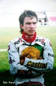 """Sebastian Ułamek egzamin na licencję """"Ż"""" zdał w sezonie 1992. Rok później występował już w meczach ligowych swojej drużyny"""