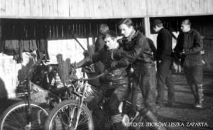 Tadeusz Rak i Leszek Zapart na motocyklu